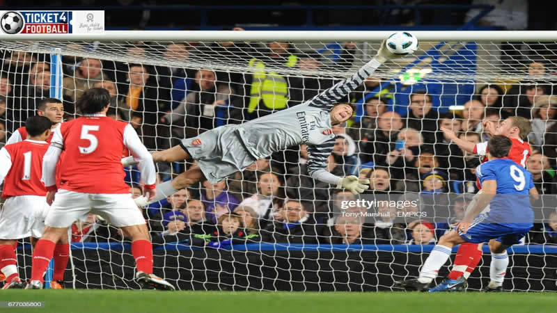 Premier League Emiliano Martinez Arsenal's goalkeeper likes post calling for Unai Emery to be dismissed